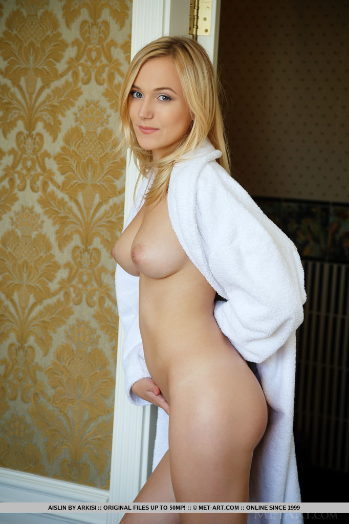 Nuasi MetArt is bewildering Aislin