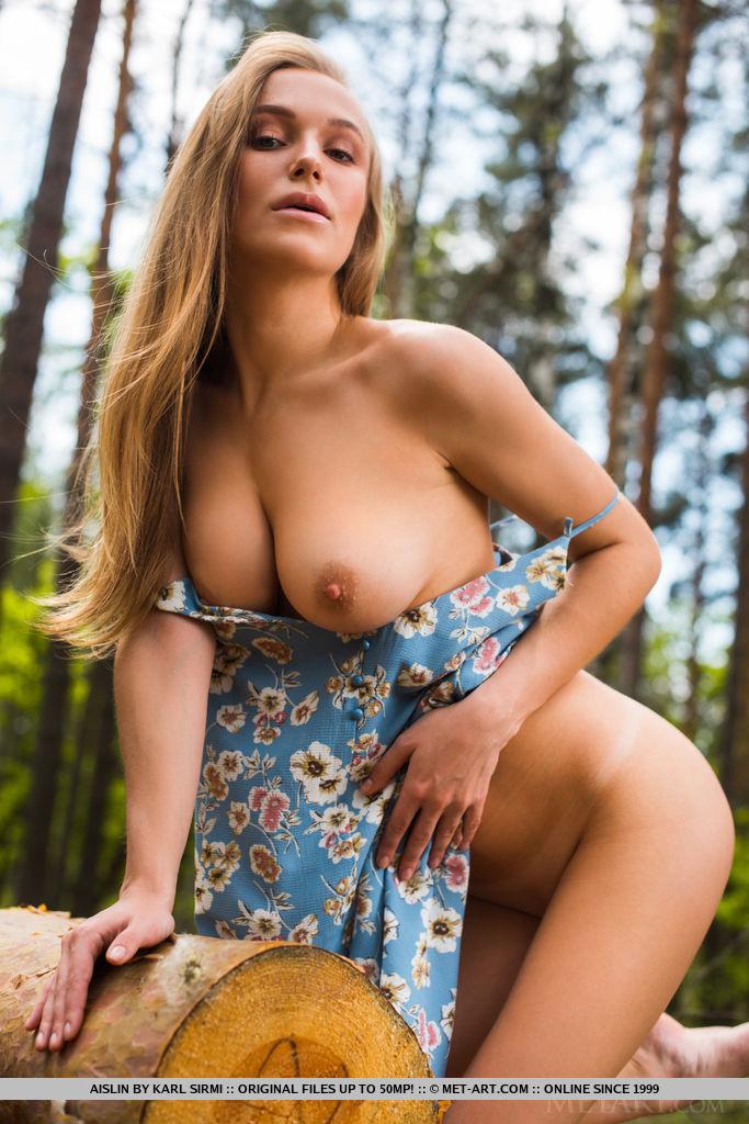 High quality nude shot