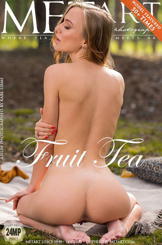On the cover of Fruit Tea MetArt is elevated Aislin