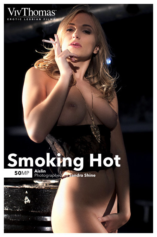 On the magazine cover of Smoking Hot Viv Thomas is moving Aislin