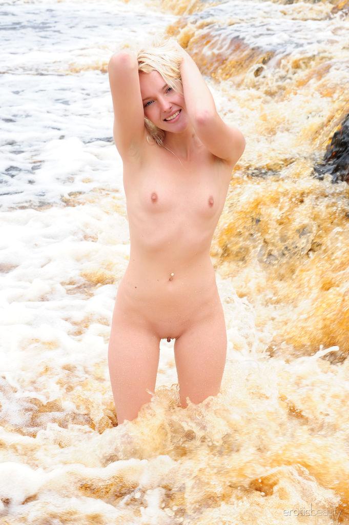 High quality stark-naked image