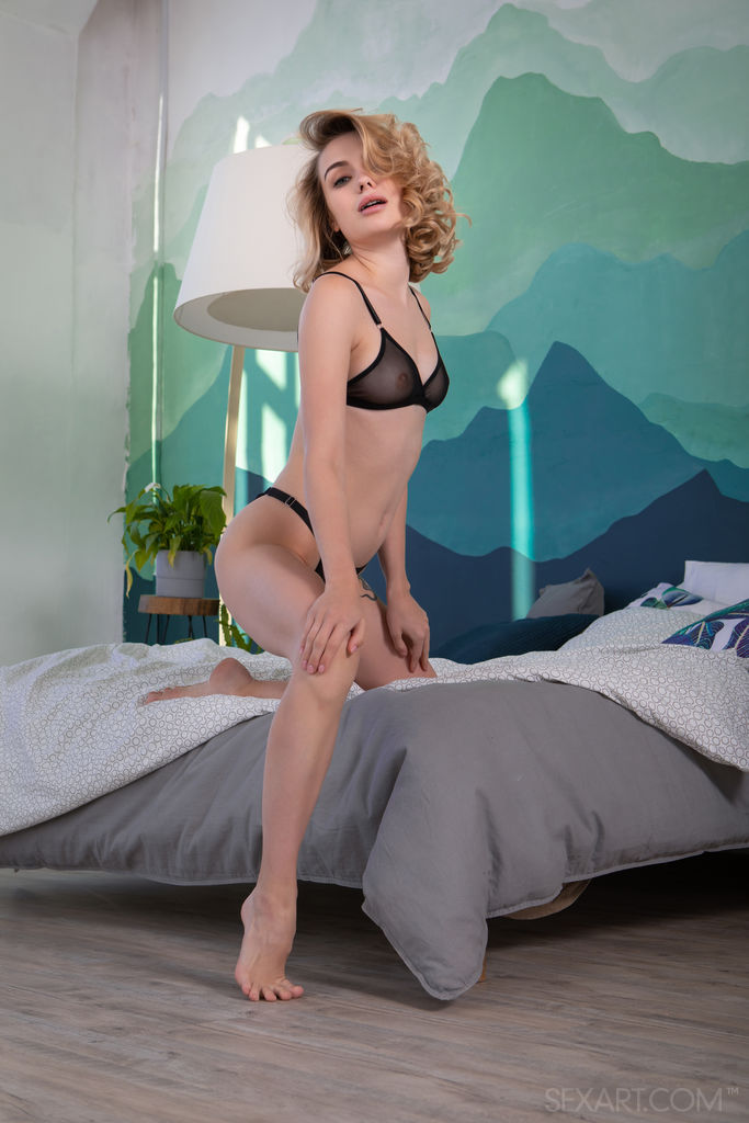 Best sensual model Alice Shea for adult only sessions