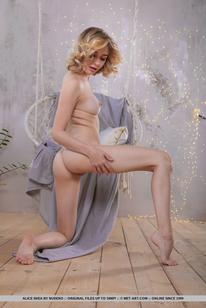 Best quality stark-naked pix