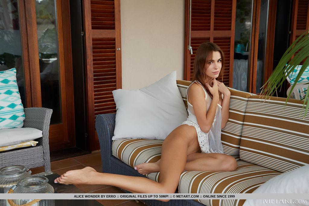 High resolution buck naked image