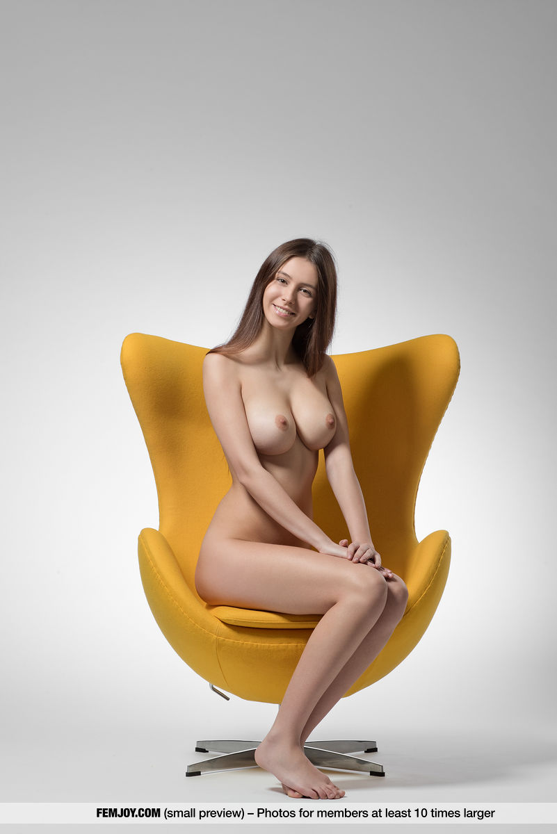 On the magazine cover of Yellow FemJoy is exalted Alisa Amore
