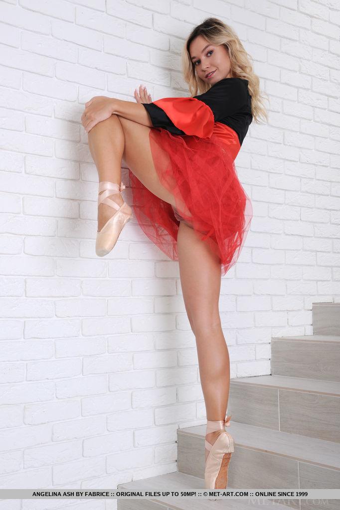Angelina Ash medium natural breasts slide