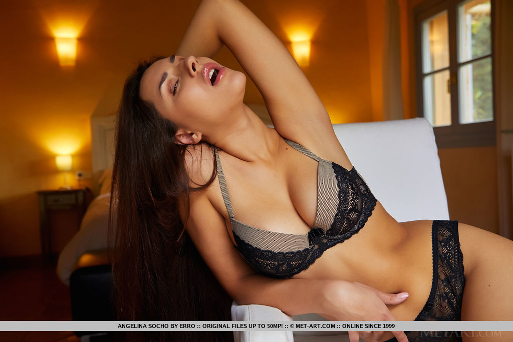 Best lofty model Angelina Socho in uncovered sessions