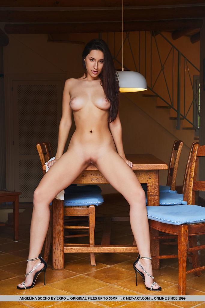 This damsel has naked big tits snapshot