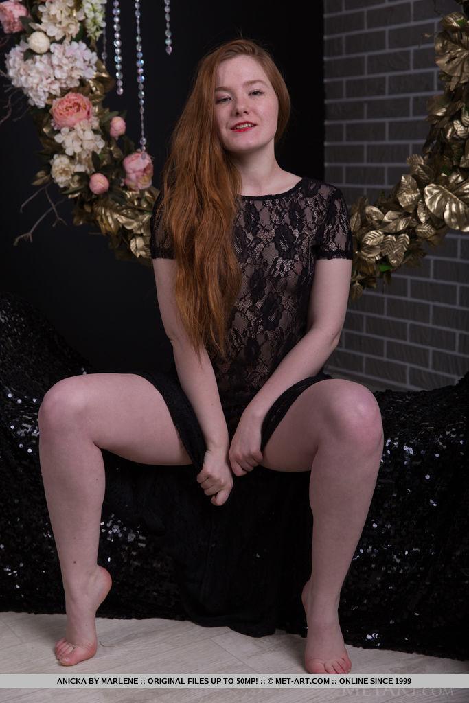 stark-naked photo gallery of  Anicka