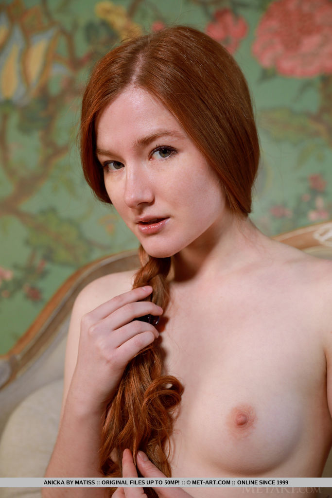 This woman has stunning small breasts pic