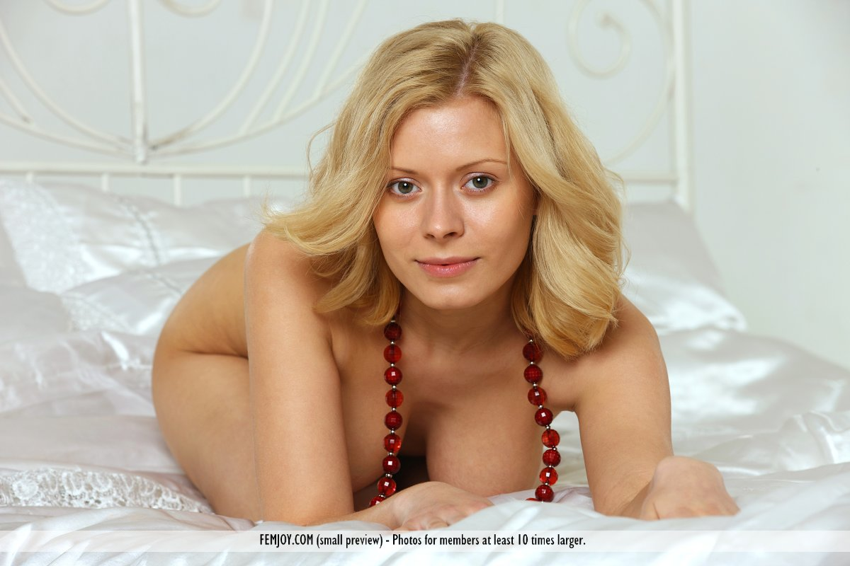 On the magazine cover of I Know What I Like FemJoy is stupefying Anne P.