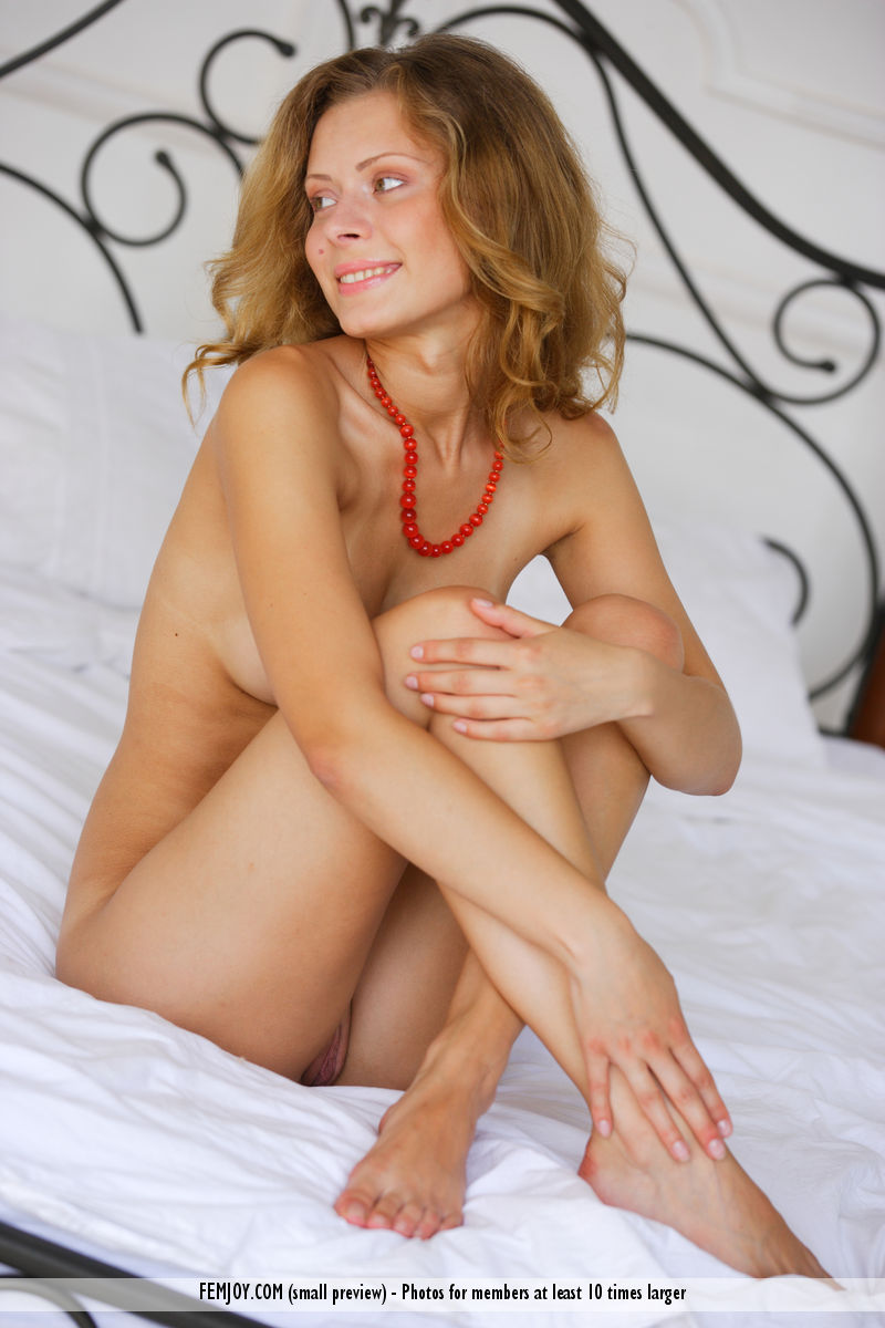 Best concupiscent model Anne P. for adult only sessions