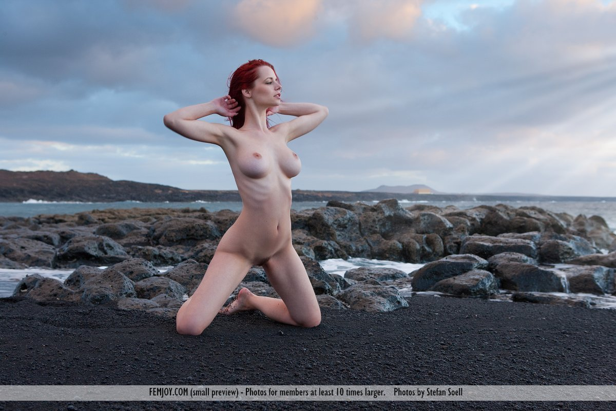Best shocking model Ariel in bare sessions