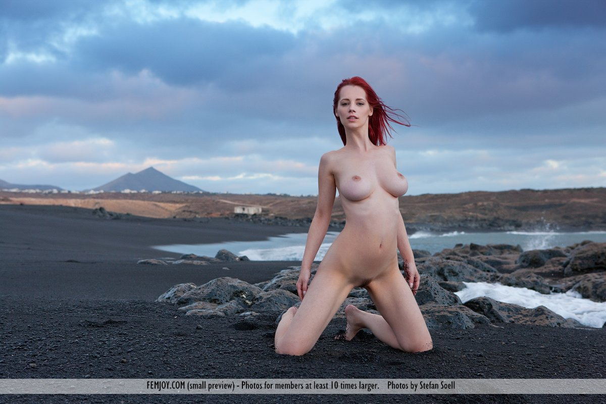 in birthday suit photo gallery of  Ariel