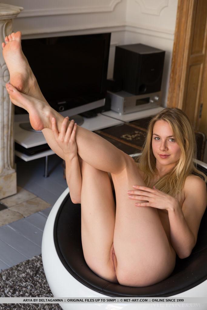 Best awe-inspiring model Arya in garmentless sessions