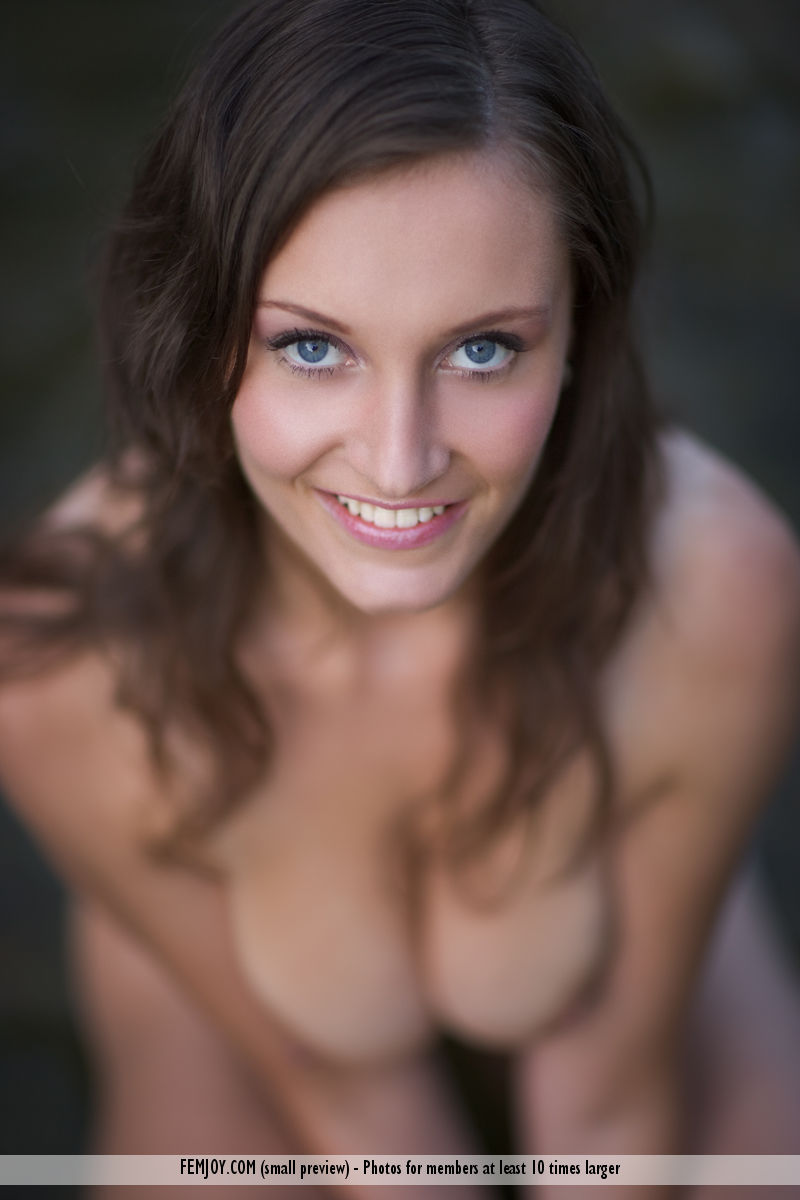 Best hot model Ashley in unclad sessions