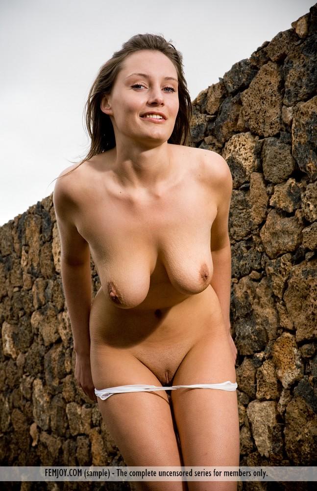 buck naked photo gallery of  Ashley