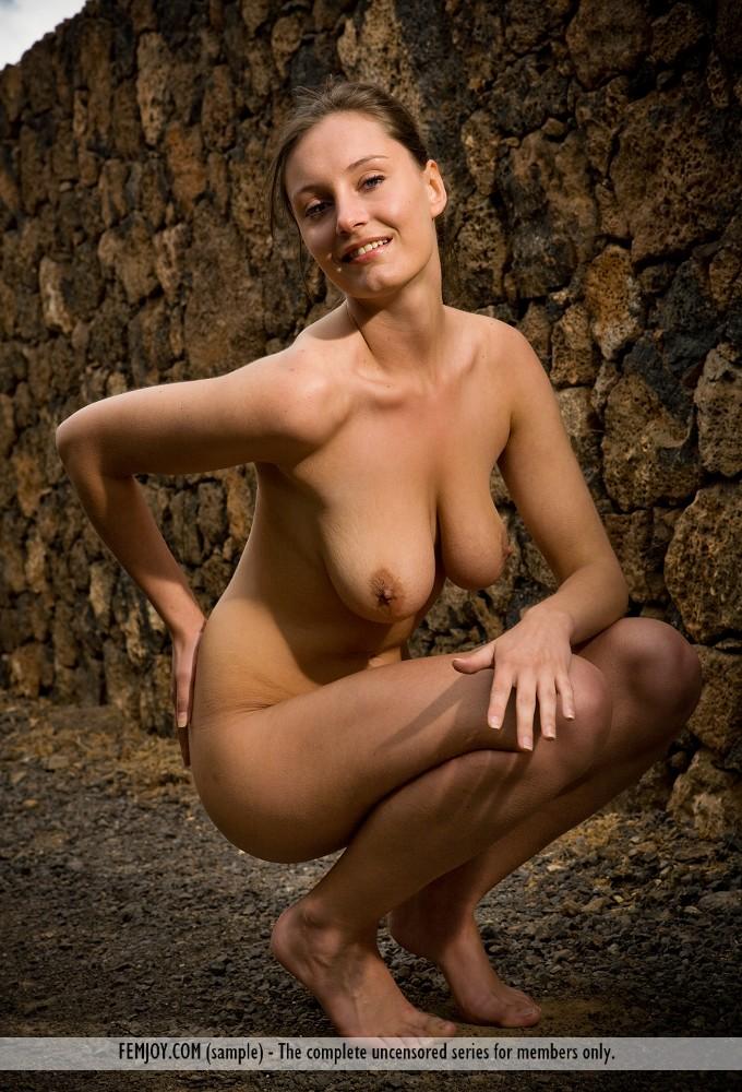 High resolution stark-naked photo