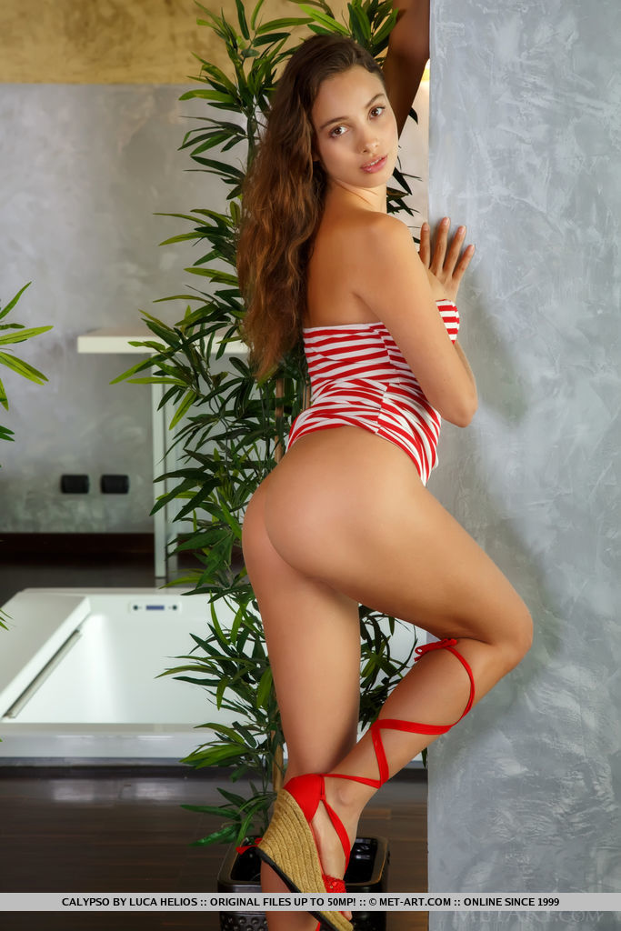 Calypso in kissable photo sessions for free