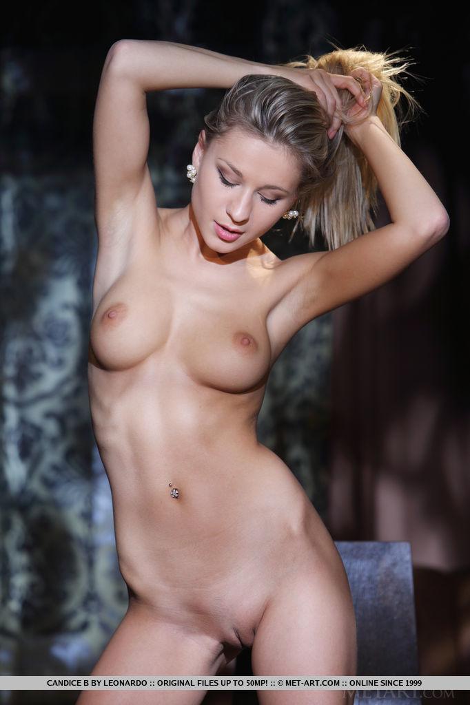 dishabille photo gallery of  Candice B