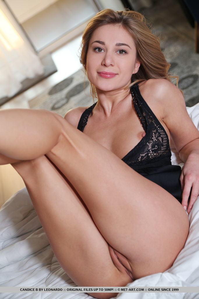 stark-naked photo gallery of  Candice B