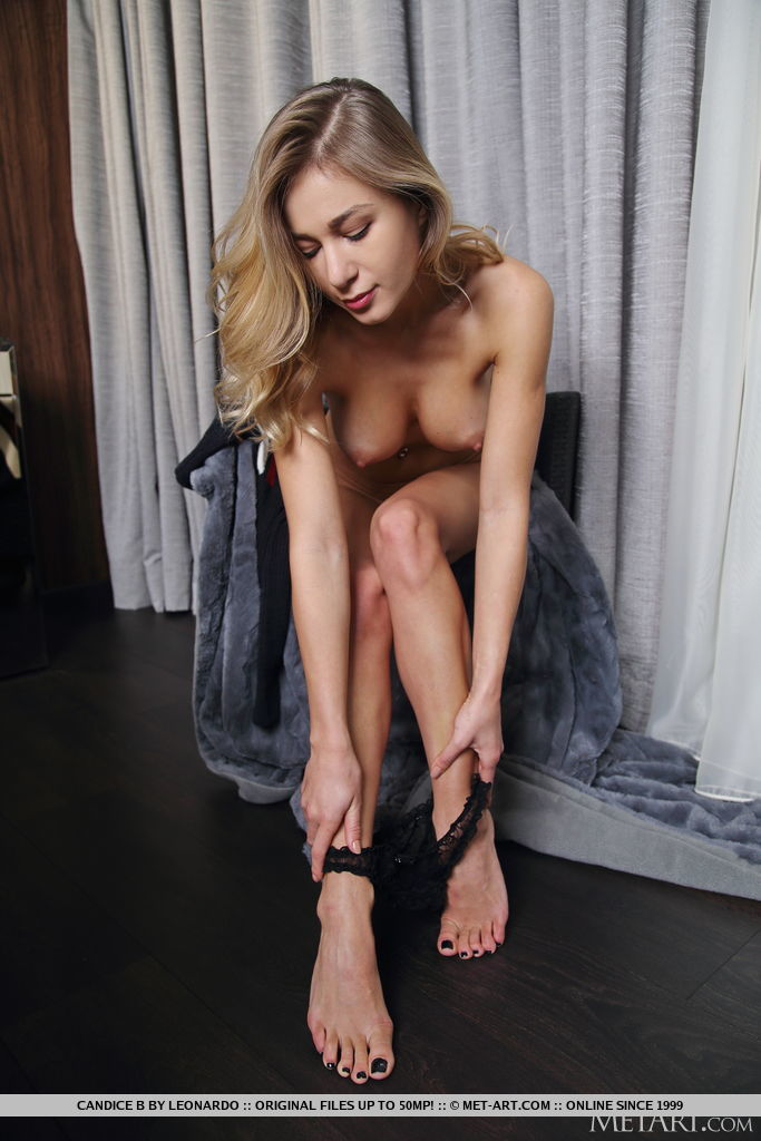 Candice B in lascivious photo HD for gratis