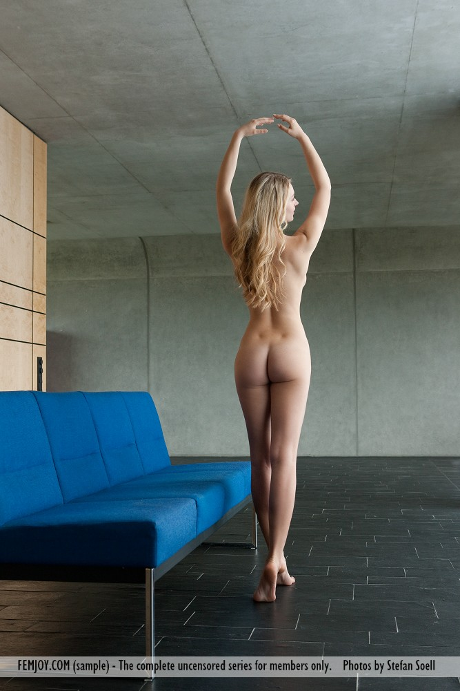 Best erotic model Carisha for adult only sessions