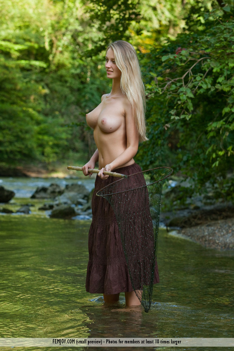 Carisha large breasts pic