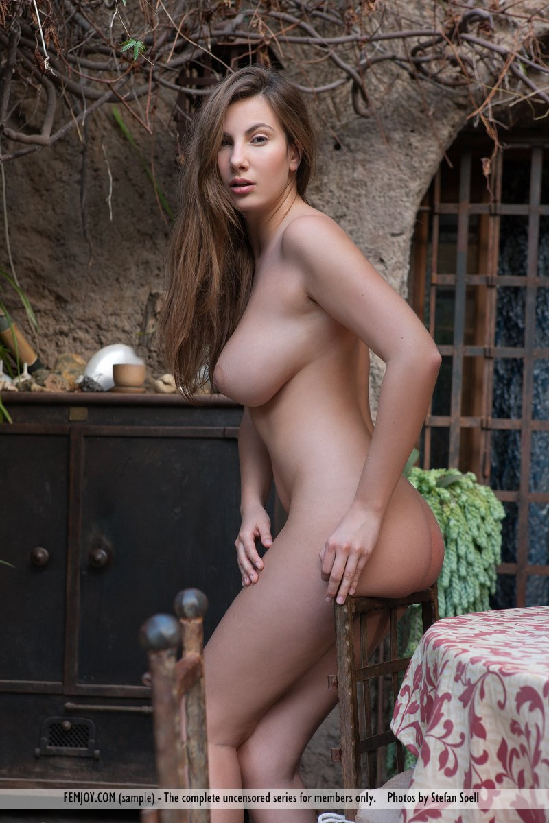 Connie Carter in spicy photo sessions