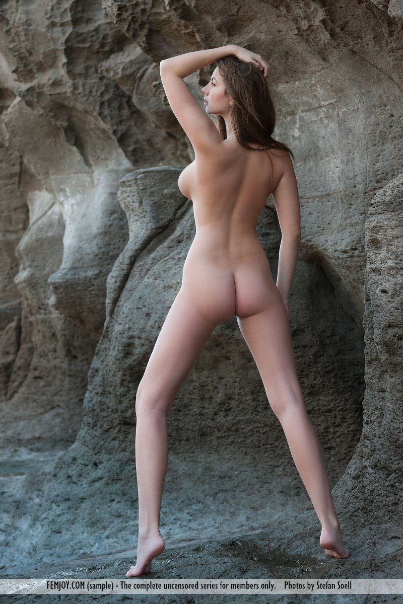 Connie Carter in inviting photo HD for free of cost