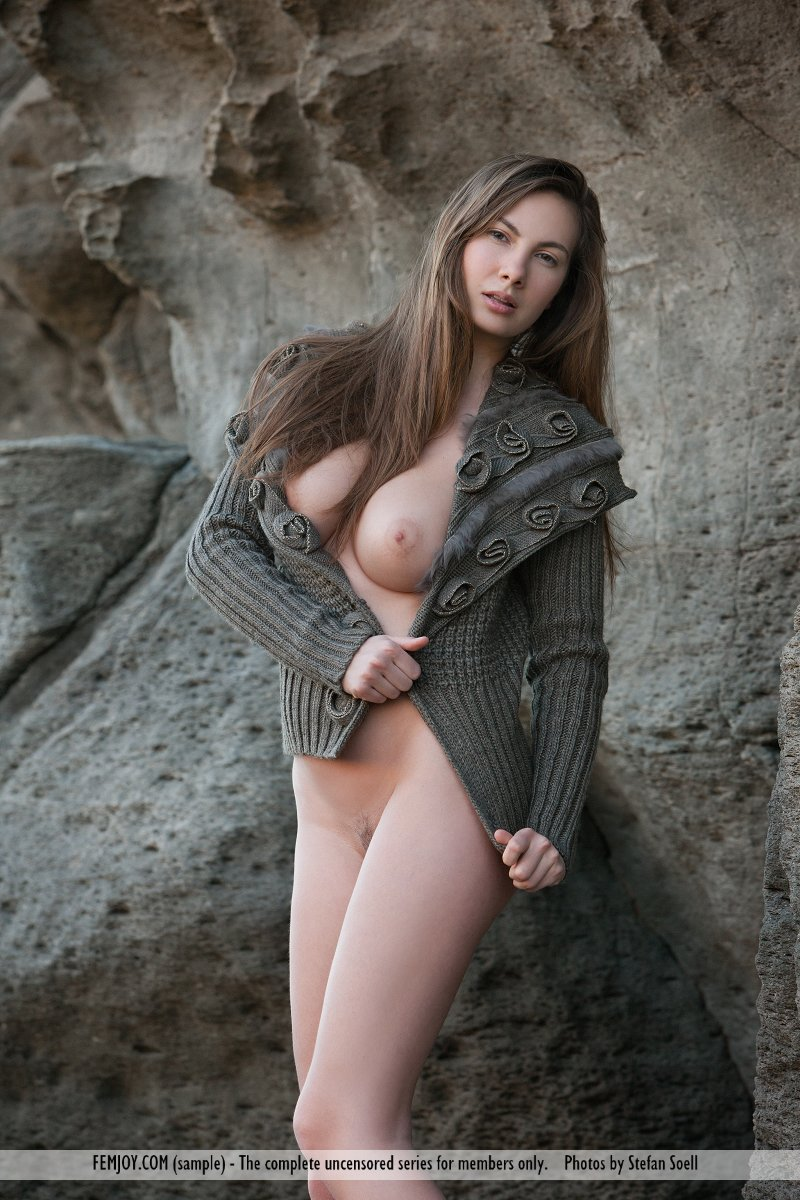 Best alluring model Connie Carter in buck naked sessions