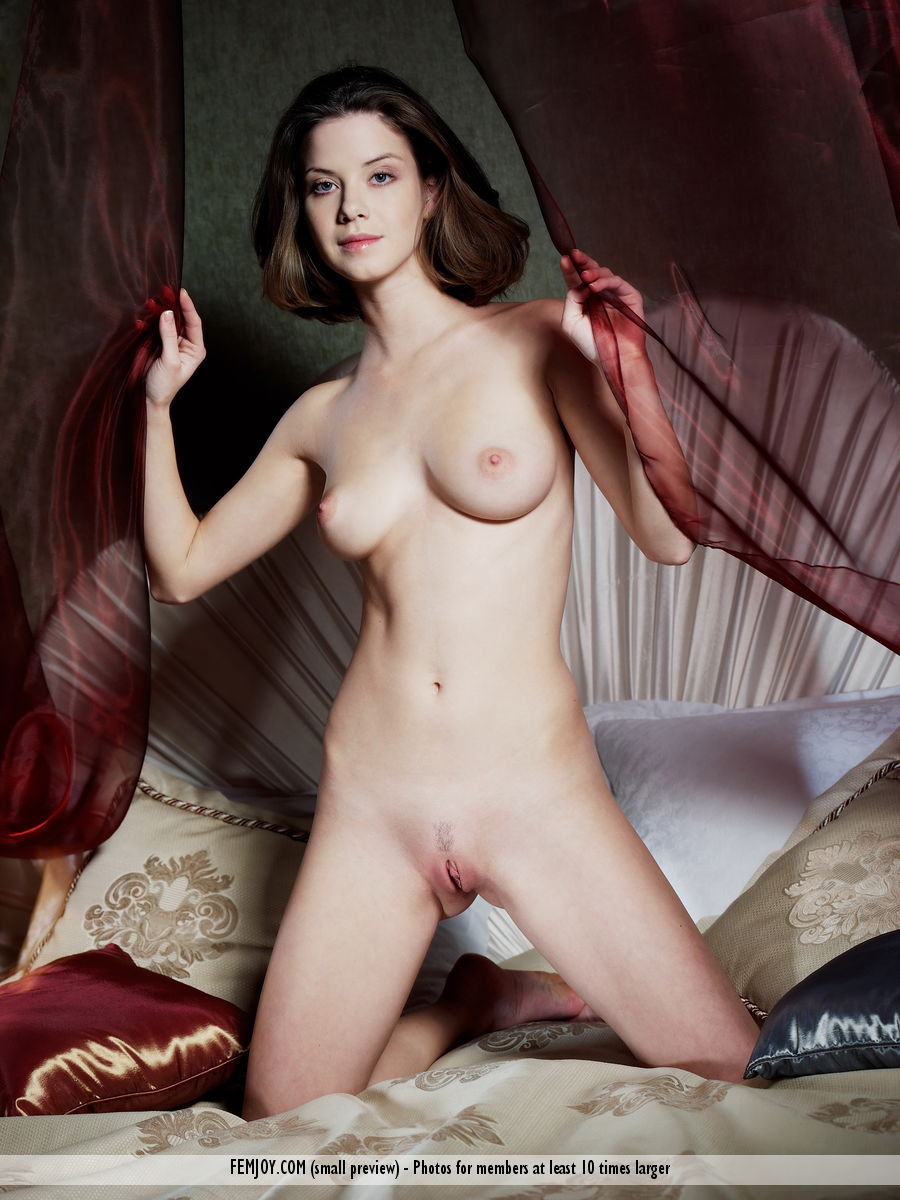 Danica in seductive photo HD for free of cost