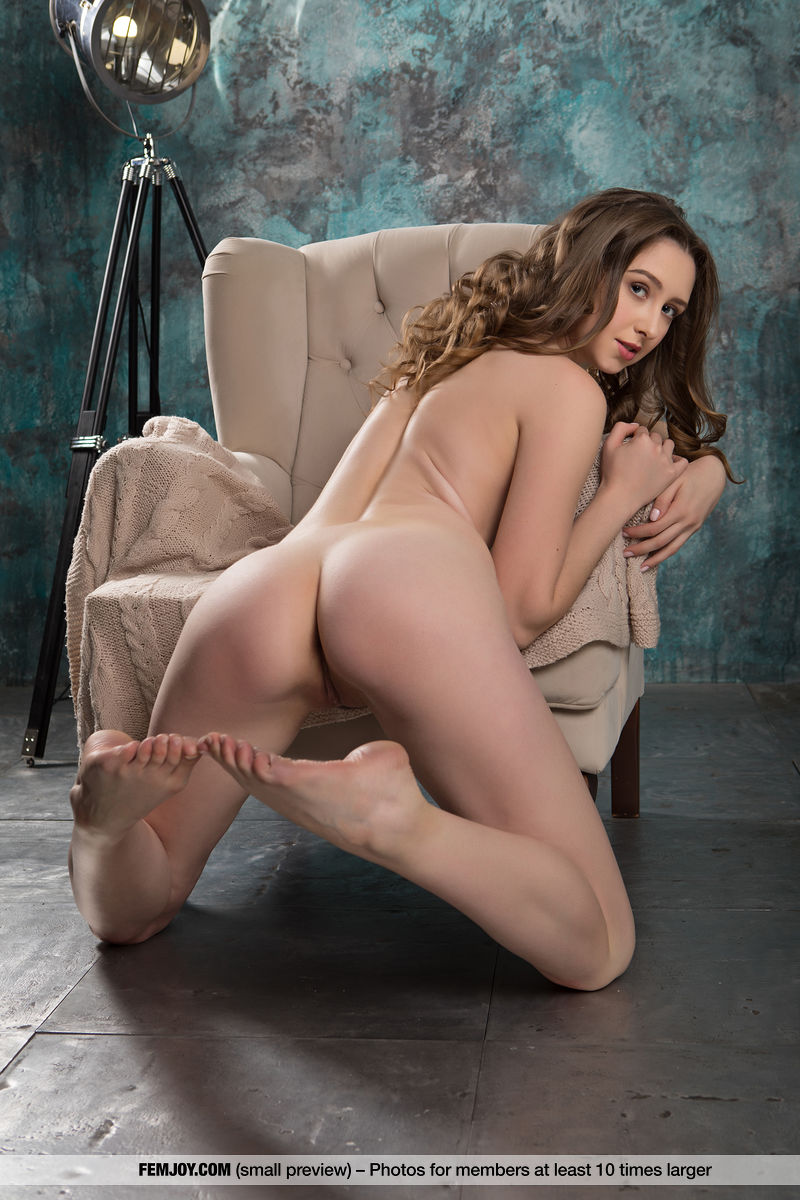Best kinky model Dara W. for adult only sessions