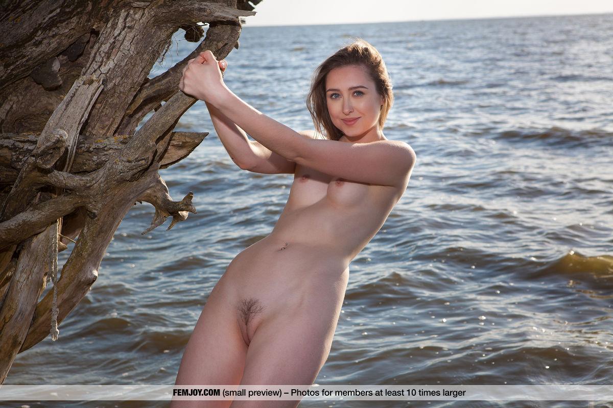 Best marvelous model Dara W. in au naturel sessions