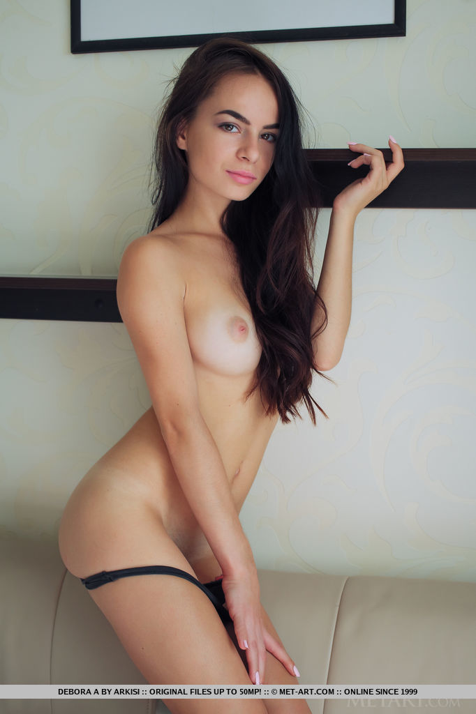 Model of Debora A in skin sessions