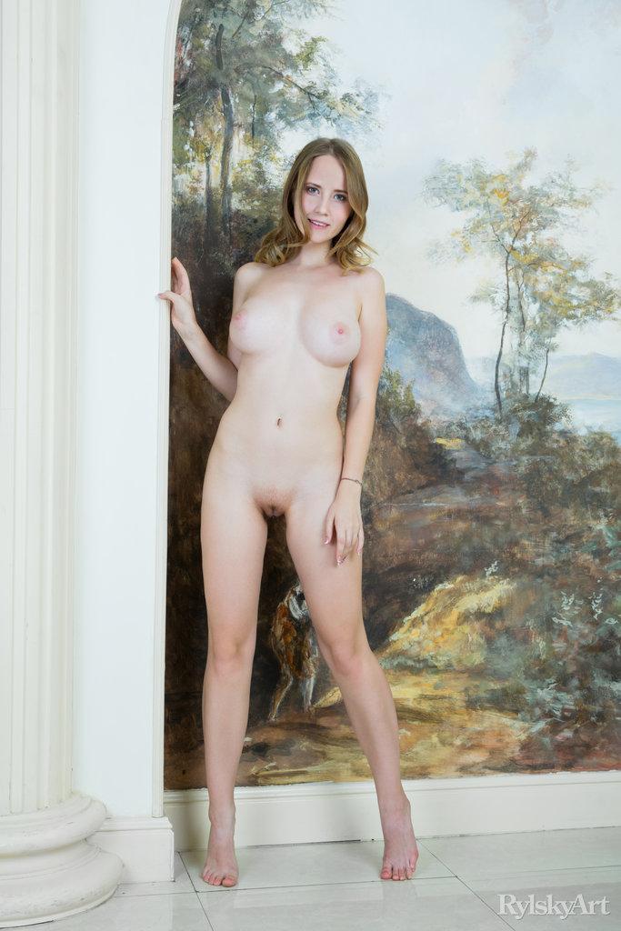 stunning big boobs image