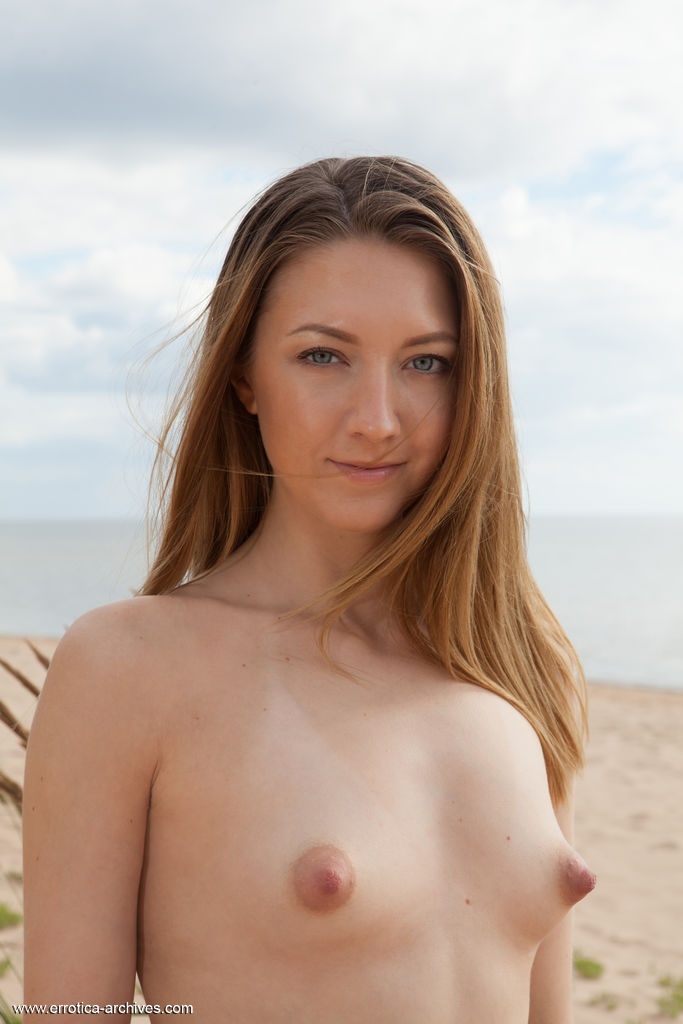 Best awesome model Dominika B in stark-naked sessions
