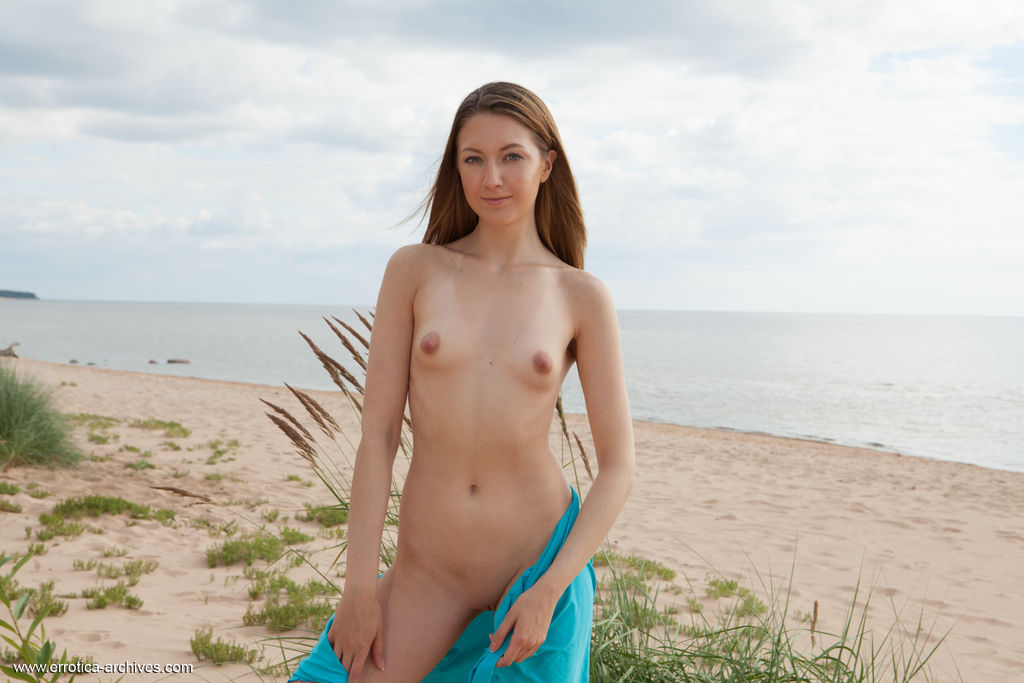 This girl has spicy medium naturalboobs and Brown hair