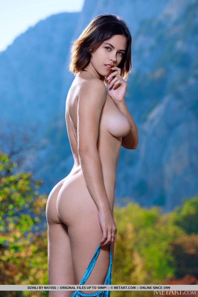 medium natural breasts image for freebie