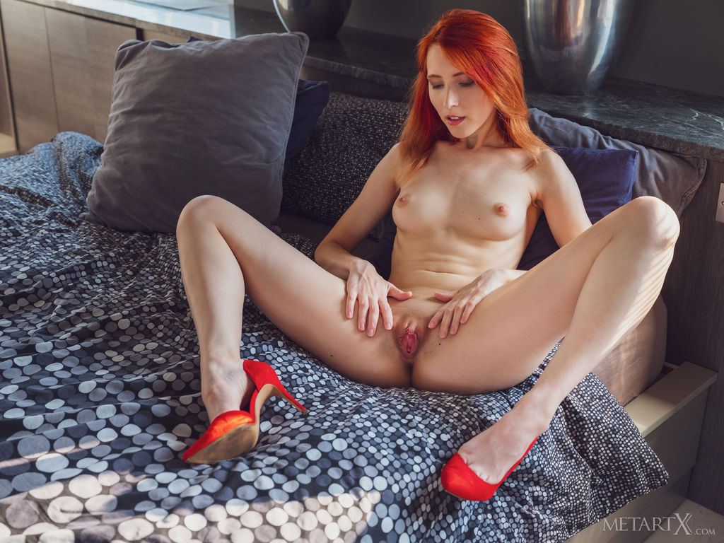 Elin Flame in salacious photo sessions