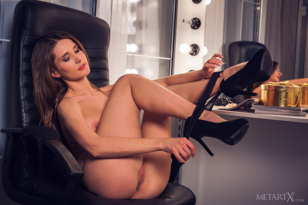 Best sexual model Elina in in the altogether sessions