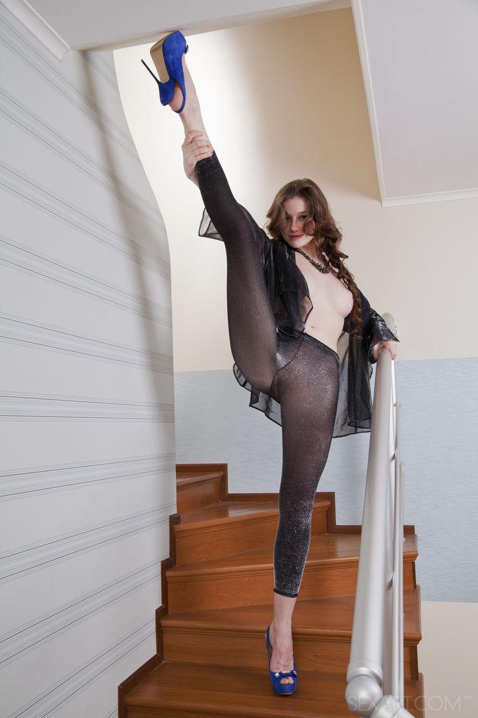 Model of Emily Bloom in garmentless sessions