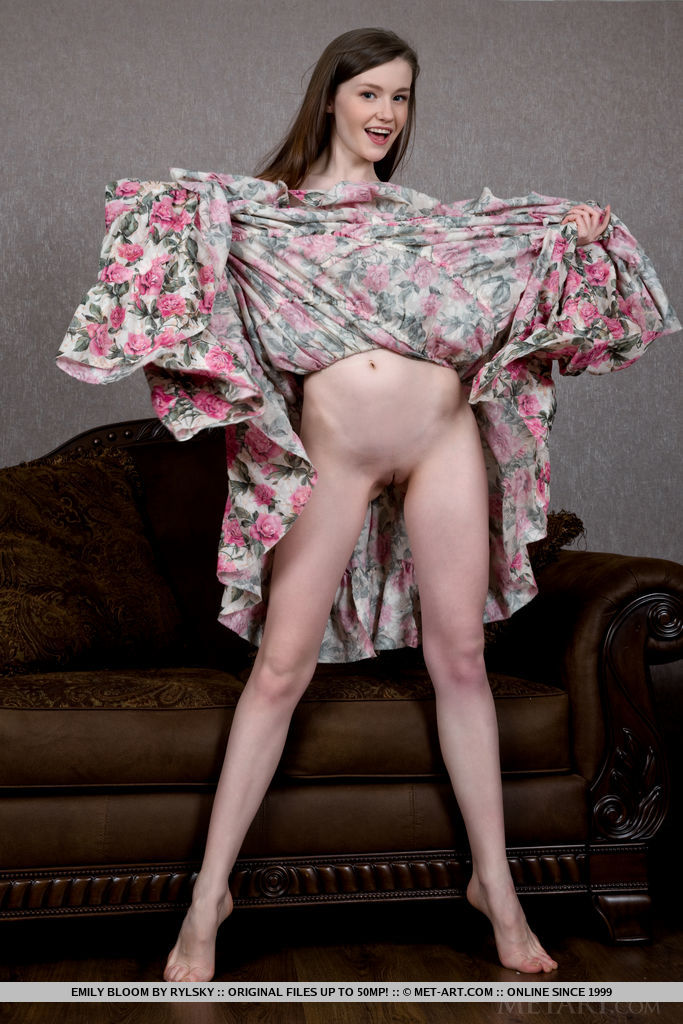 Emily Bloom in voluptuous photo sessions