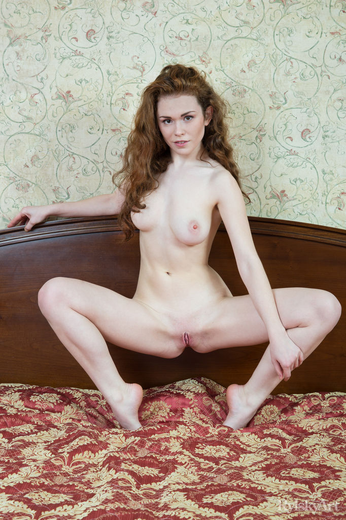 Estelle bald large boobs pix
