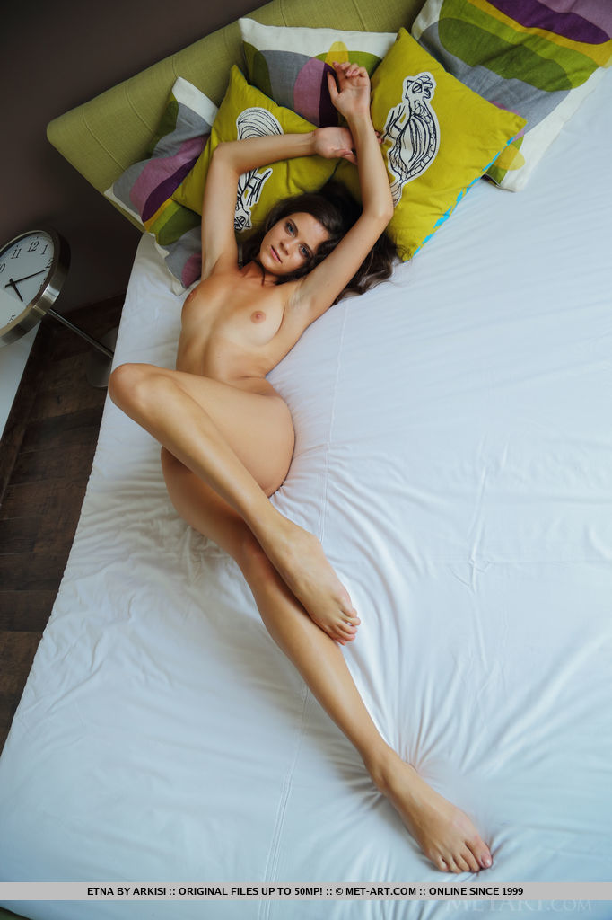Best inviting model Etna in undraped sessions
