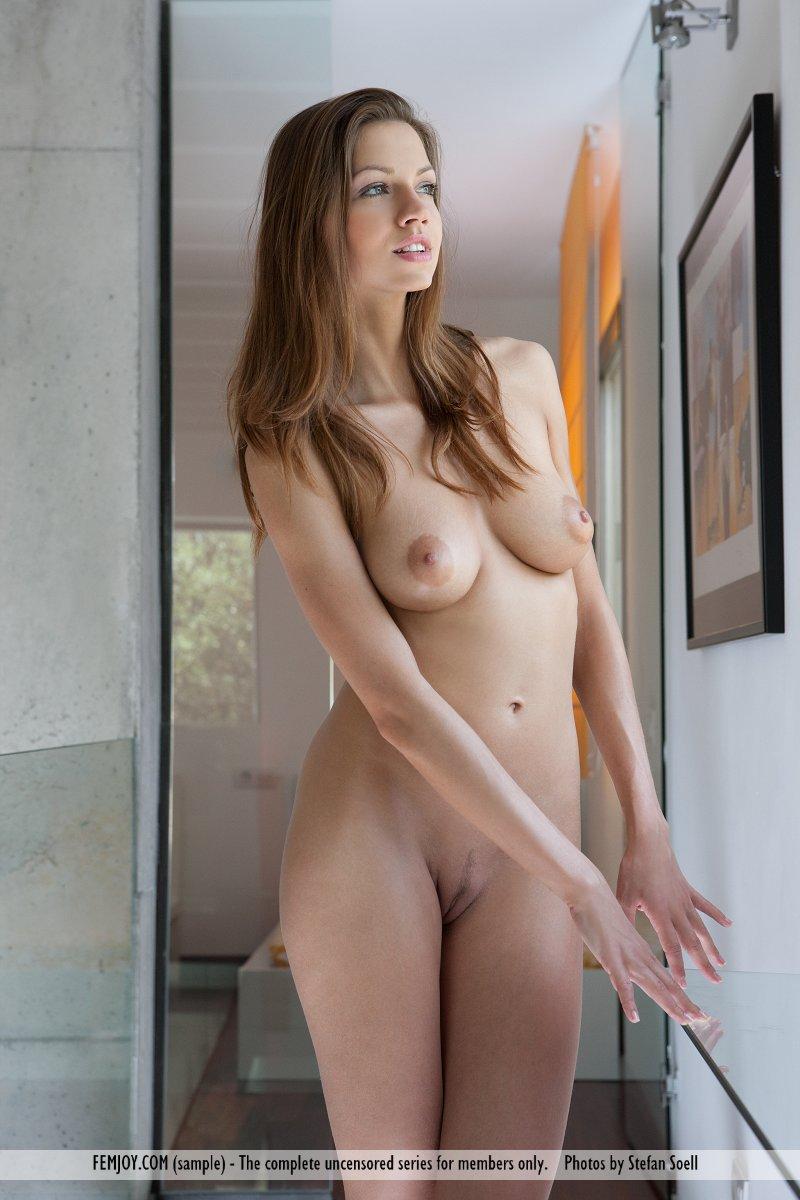 This woman has medium breasts snapshot