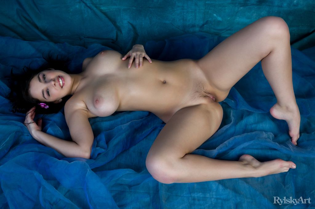 Evita Lima big boobs snapshot
