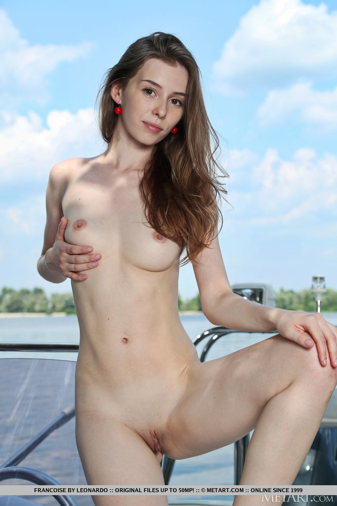 Francoise in amorous photo sessions for gratis