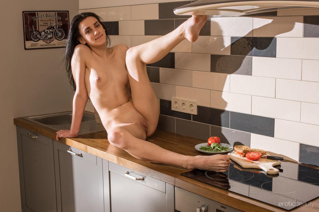 Gabi Sombra in seductive photo sessions