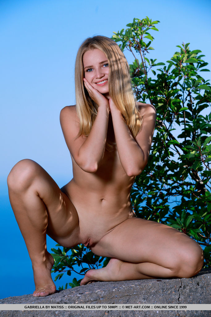 amatory small naturalbreasts pic for gratuitous